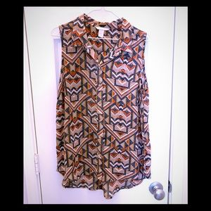 H&M blue Aztec print sleeveless button down TOP 10